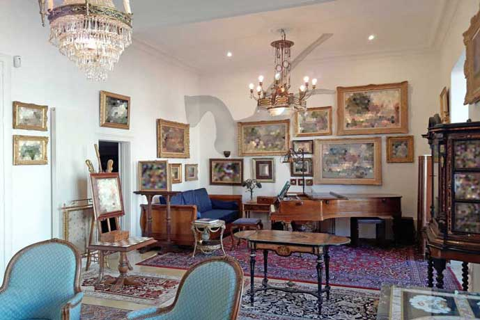 FABULOUS LUMINOUS APARTMENT 258 M2 IN A MAJESTIC BUILDING OF THE 19TH CENTURY.